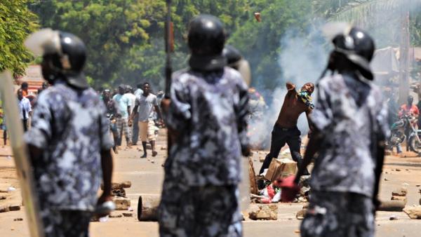 La rue prend le devant dans l'épreuve de force gouvernement-opposition — Togo