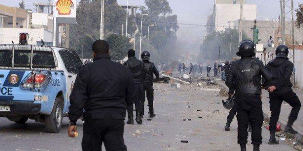 Tunisie-Heurts avec la police : Arrestation de 44 protestataires